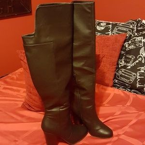JUSTFAB OVER THE KNEE LEATHER BOOTS, BLACK