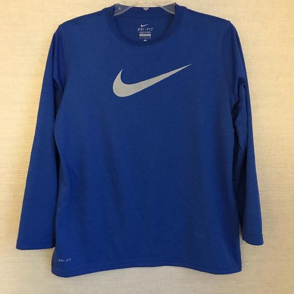 27c8ffb544d78 Boys Nike Legend Long Sleeve T-Shirt. M 5a07a5ef7f0a05e2f80eec21