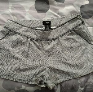 Super cute black and white shorts! Mossimo