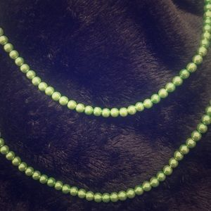 Accessories - Beautiful Green Vintage Pearl Necklace