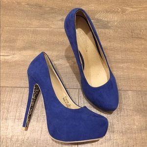Shoes - Blue suede like heels size 8