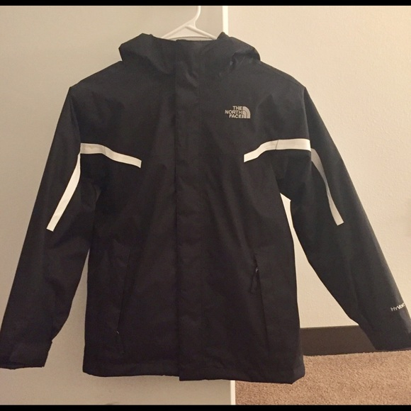 3fdcff594 North Face Boys Tri-Climate Jacket