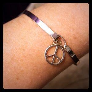 Jewelry - Peace sign dangle bracelet