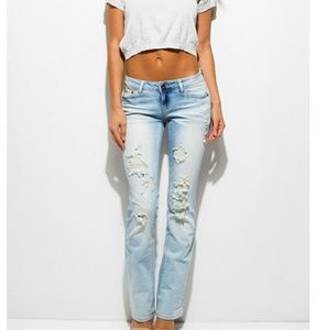 Denim - 🆕️Light Wash Distressed Jeans