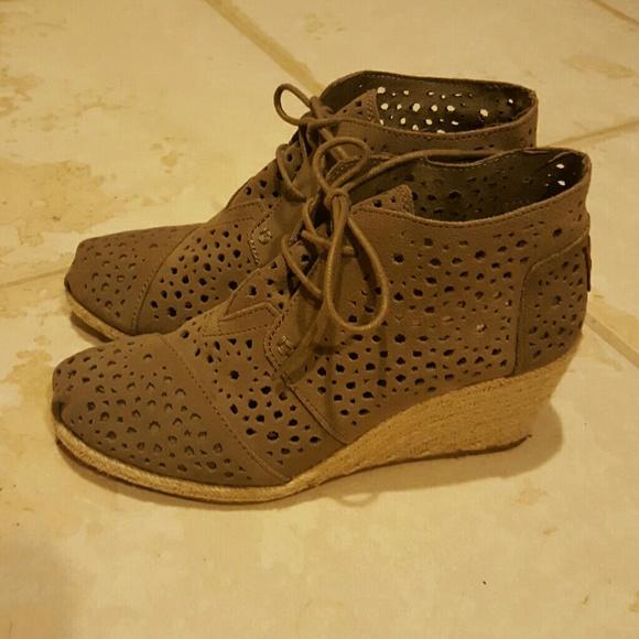 28453b772d9 Toms Moroccan Cutout Desert Wedges Shoes 8