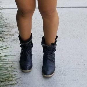 American rag western country black booties