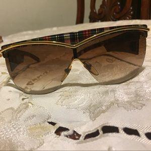Stunning beautiful vintage valentieno sunglasses
