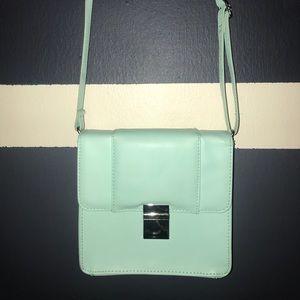 Mint H&M Clutch 🧤