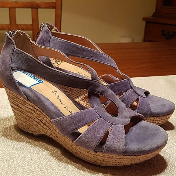 f345e12e88ae Sofft Shoes - 👋 👋 SOFFT Periwinkle Suede Espadrille Wedge