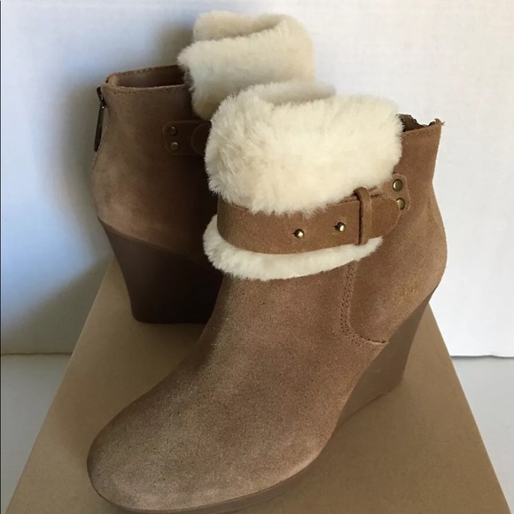 cab4b797e11 New UGG Women Antonia Wedge Ankle Boots. Size 6.5 NWT