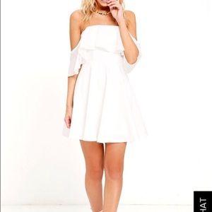 Lulu⭐️s white off the shoulder flowy dress