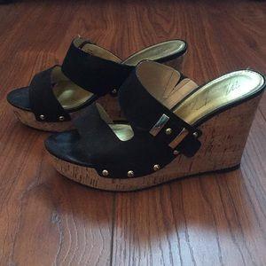 Marc Fisher black platform sandals 6.5
