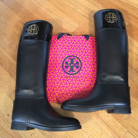 b7e7d16a490 Tory Burch Rain Boots Aigle. M 5a08573a41b4e0ecc711067d