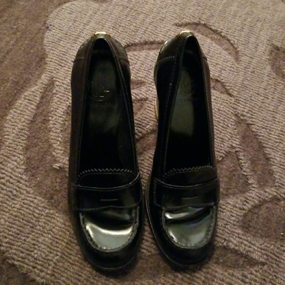e26c4ca3968 Tory Burch High Heel Penny Loafers. M 5a0857bd2fd0b7fc8510eef5