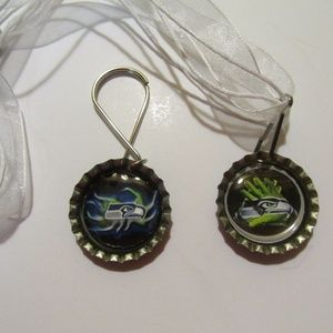 Seattle Seahawks Keychain and Necklace Set