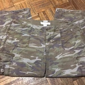 29b737c28b3c5 Old Navy Pants - Old Navy Women's Fatigue Cargo Pants Plus Size 20
