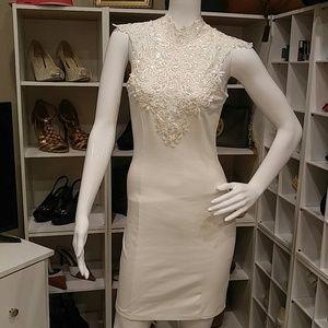 SOLEMIO IVORY LACE EMBELLISHED BODYCON DRESS JR S