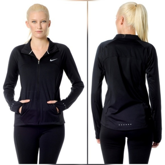 e046100e63 Nike Shield Black Thermal Lined Running Jacket. M 5a086fc75a49d038e41153ed
