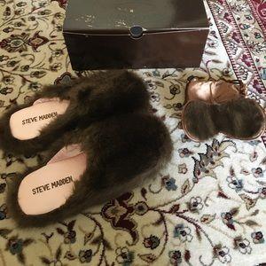 Steve Madden plush slippers