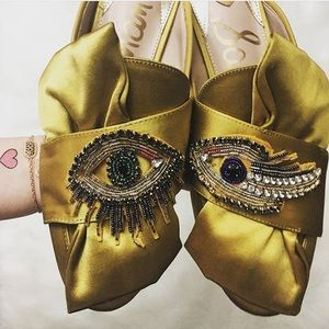 NWOT* Sam Edelman Evil Eye Patch Bow Satin Slides