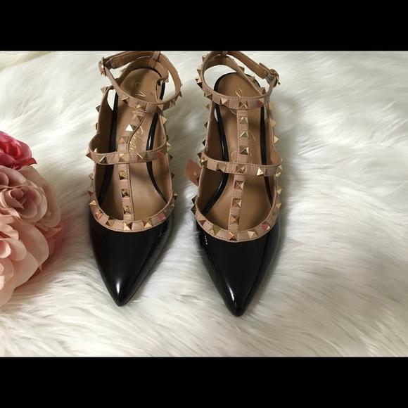 ccdb47442199 Arturo Chiang Shoes - Arturo Chiang rockstud heels size 8.