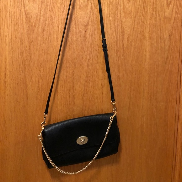 678ee8aac6 Black Coach crossbody with gold chain strap
