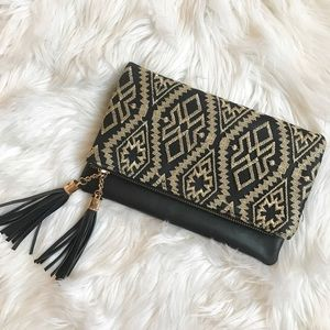Adorable Tribal Embroidery Clutch/Crossbody