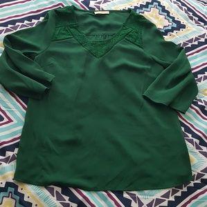 Chiffon green top w/ lace design