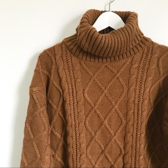 Zaful Sweaters - Zaful Large Chunky Knit Brown Pocket Tunic Sweater