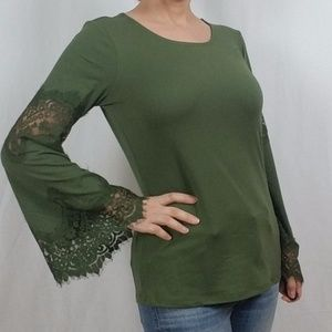 NWT CREW NECK TOP WITH LACE BELL SLEEVE DETAIL