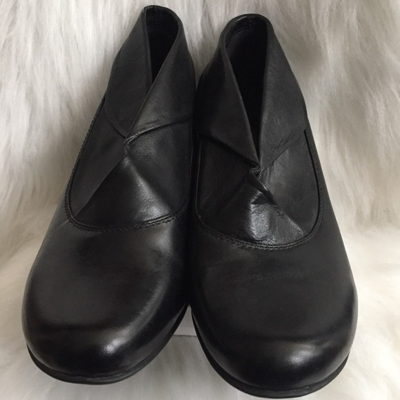 Clarks Shoes - Clarks Black Leather Booties