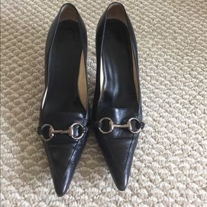 Gucci leather heeled black shoes