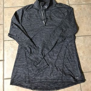 Champion duo dry 1/4 zip XL. Never worn or washed