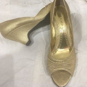 Peep Toe Gold shimmering Holiday Shoes