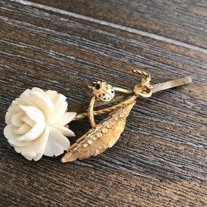 Flower Vintage Inspired Hairpin