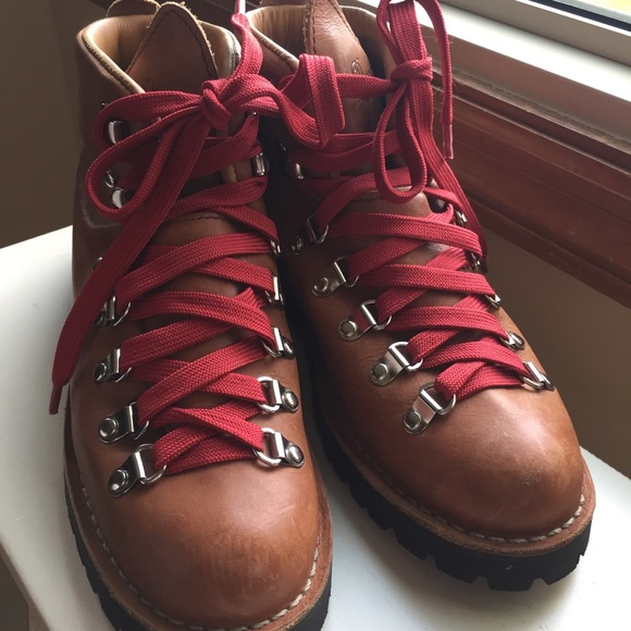 Danner Shoes - Iconic Danner Light Mountain Hiking Boots fe530b09a