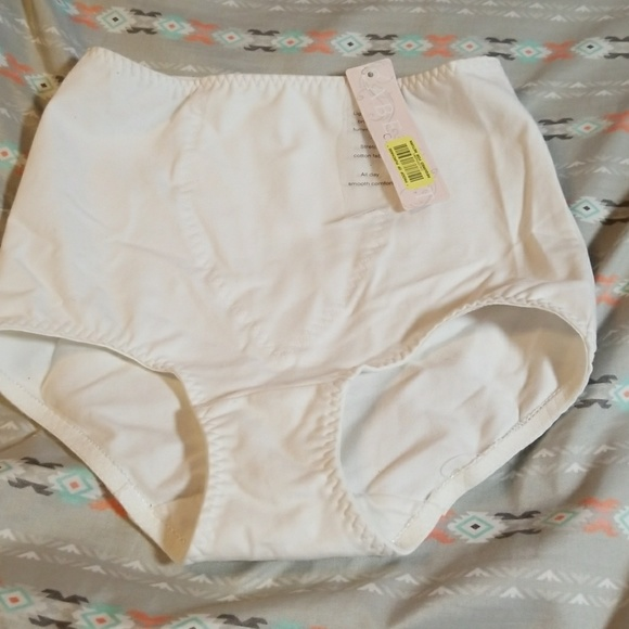 8ba8c3e36a826 Cabernet Shapewear control brief
