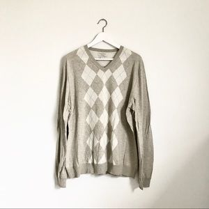 Banana Republic Beige Ivory Argyle V-Neck Sweater