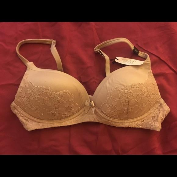 3749e922ea1 NWT Victoria s Secret Wireless Nude Lace Bra 32A