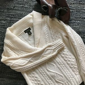 YUMMY!  Eddie Bauer cable knit sweater - M
