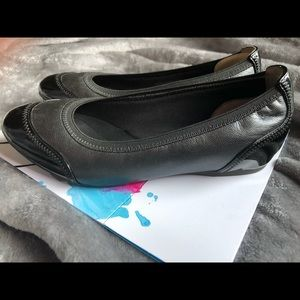 Once worn, comfy ROCKPORT Black Patton Mixed flats