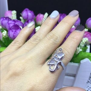 Jewelry - beautiful silver ring!!