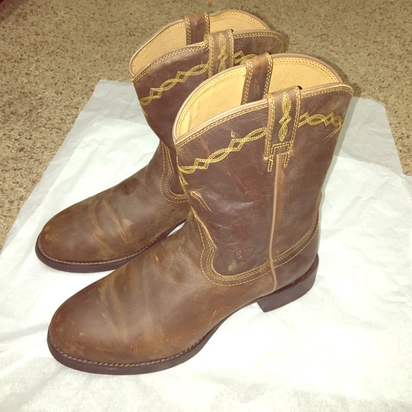 55fce8c49a3 Ariat men's cowboy boots, worn once size 8 1/2 EE