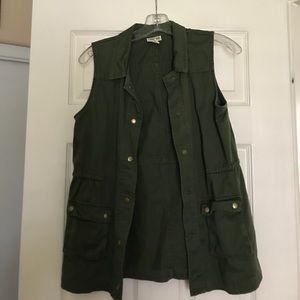Army green vest style lightweight jacket