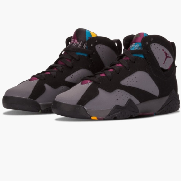 5d3cbddff18 Air Jordan Other - Gently Worn Air Jordan 7 Boys 6.5 Women's 8.5
