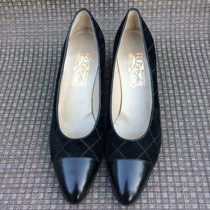 🌺🌺 Vintage Ferragamo Heels