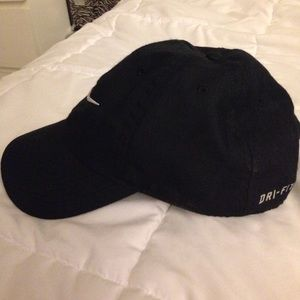 4c1788babcf Nike Accessories - Black Mens Nike Dri-FIT Train Twill Cap Never Worn