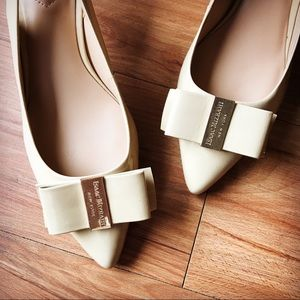 Isaac Mizhari New York Ivory Pump Shoes