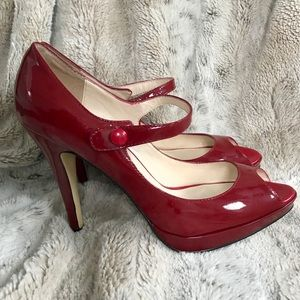 STEVE MADDEN Red Leather Holiday Peep Toe Heels 9