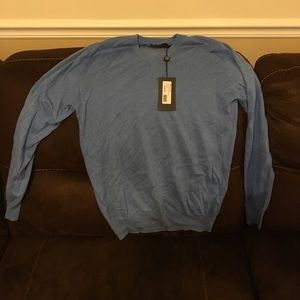 Light Blue Cashmere/cotton v neck sweater- L
